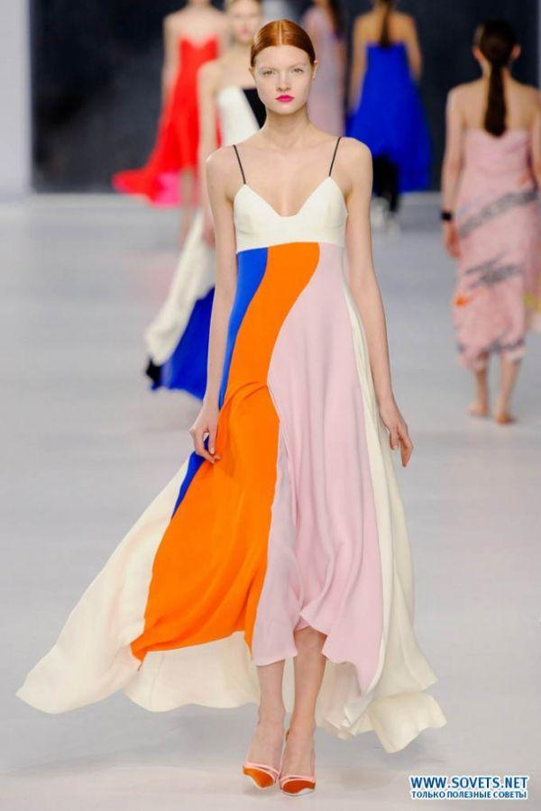 Сукня з колекції дизайнерського дому Діор 2016