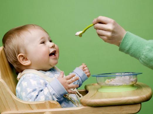 Чем кормить ребенка после года?