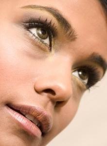 коричневі кола навколо очей
