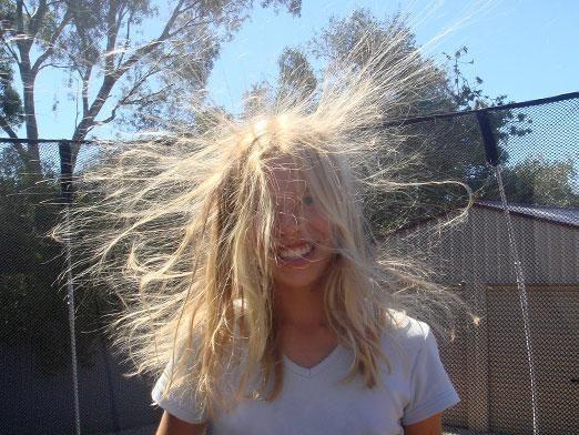 Что делать чтобы волосы не электризовались?