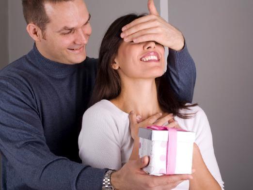 Что подарить девушке на 25 лет?