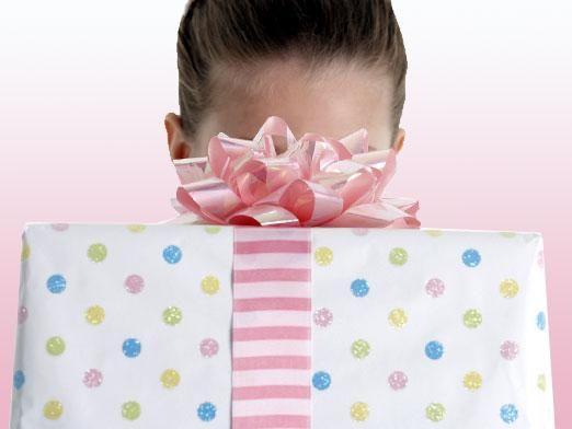 Что подарить на день рождения подруге?