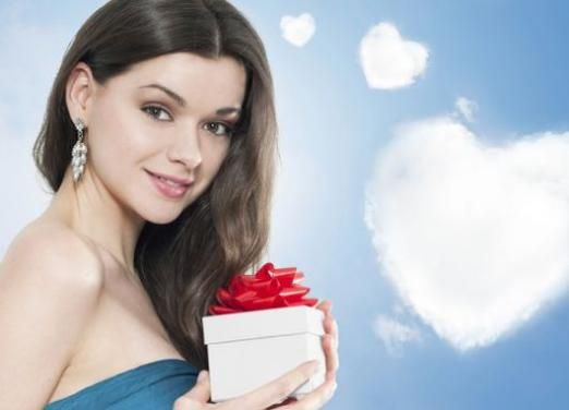 Что подарить оригинальное девушке?