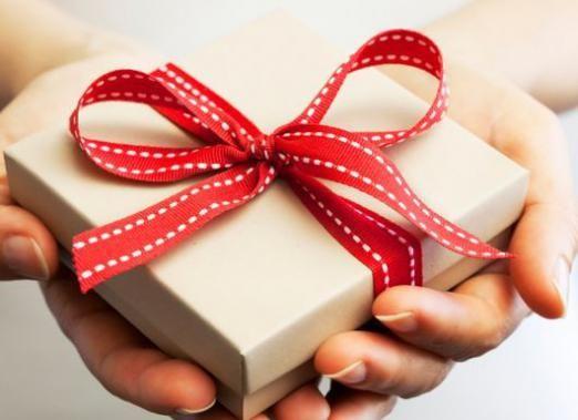Что подарить подруге недорогое?
