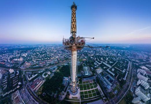 Що вище за Ейфелеву вежу?