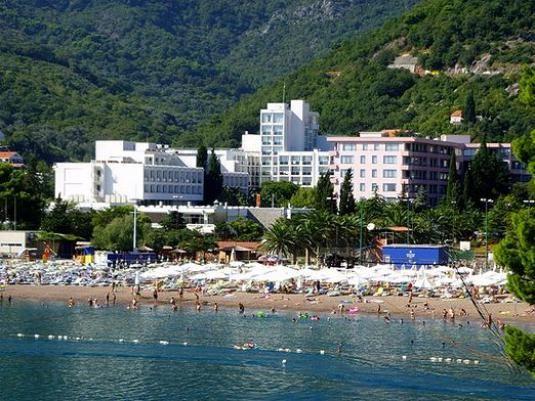 Где отдохнуть в черногории?