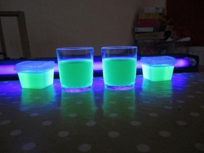 як зробити світиться рідина з підручних засобів