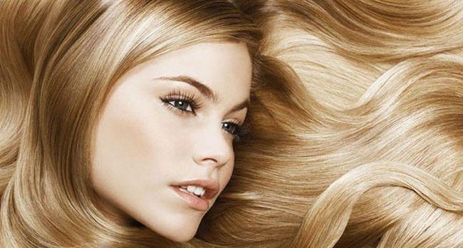 Используем ромашку для осветления и укрепления волос