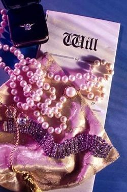 Ювелирные украшения в подарок женщине