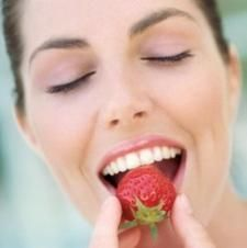 Як можна в домашніх умовах відбілити зуби