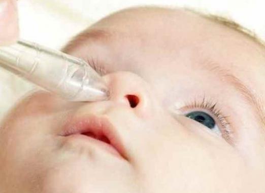 Как чистить носик новорожденному?