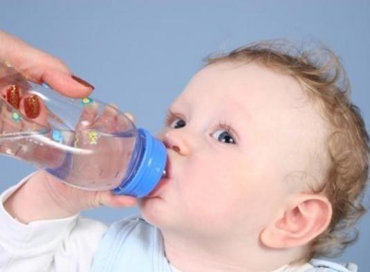 Как давать воду новорожденному?
