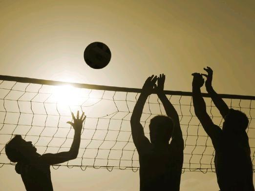 Как играть в волейбол?