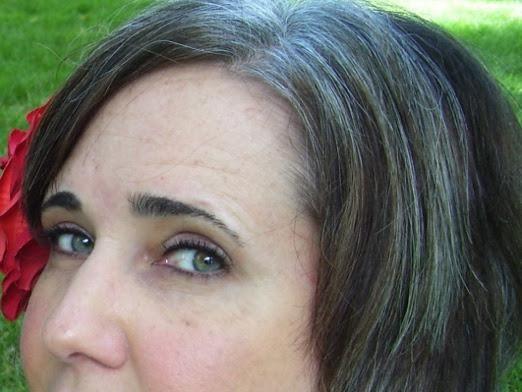 Как избавиться от седых волос?