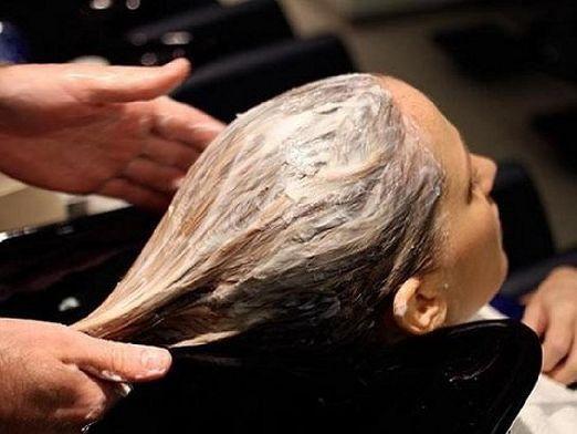 Як наносити маски для волосся?