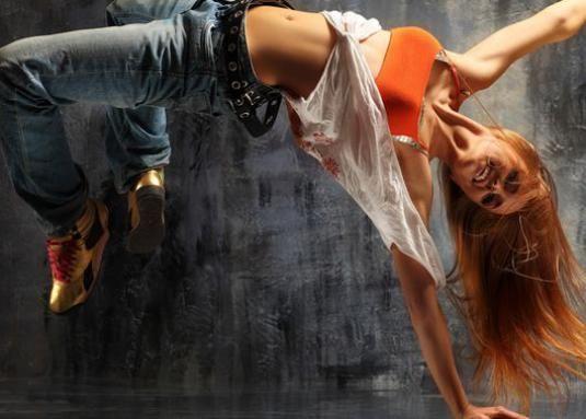 Как научиться танцевать девушке дома?