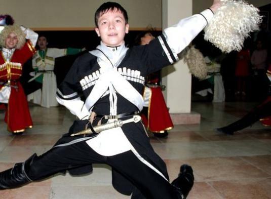 Как научиться танцевать лезгинку?