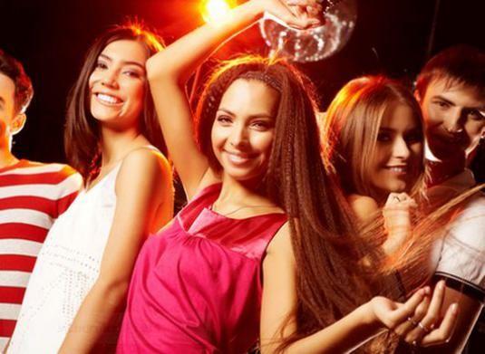 Как научиться танцевать на дискотеке?