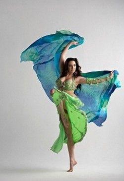 Как научиться танцевать танец живота?