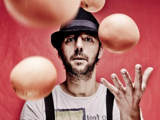Как научиться жонглировать?