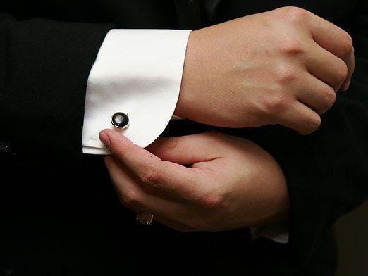 Как носить запонки?