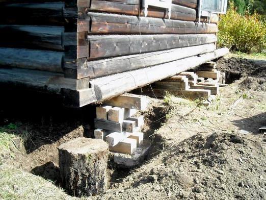 Как поднять фундамент дома?