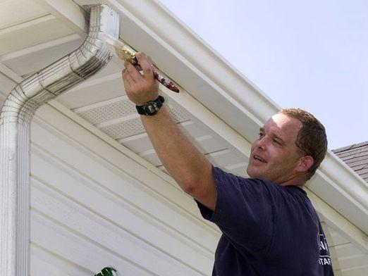 Как покрасить дом?
