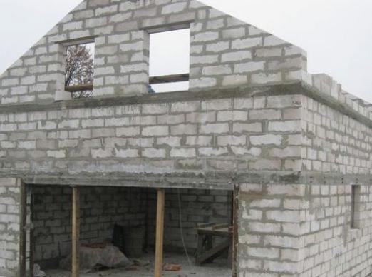 Как построить дом из пеноблоков?