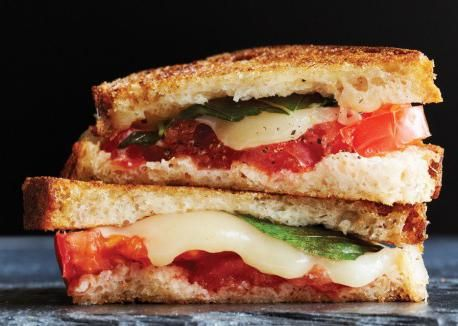 рецепти гарячих бутербродів на сковороді