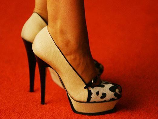 Як розносити туфлі?