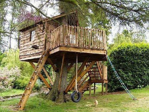 Как сделать домик на дереве?