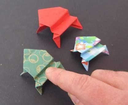 як зробити жабу з паперу