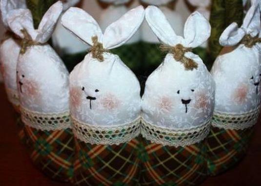Как сделать пасхального зайца?