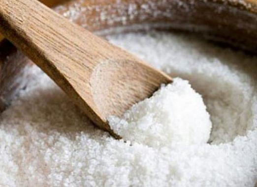 Как снять порчу солью?
