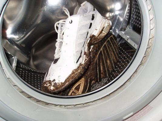 Як прати кросівки?
