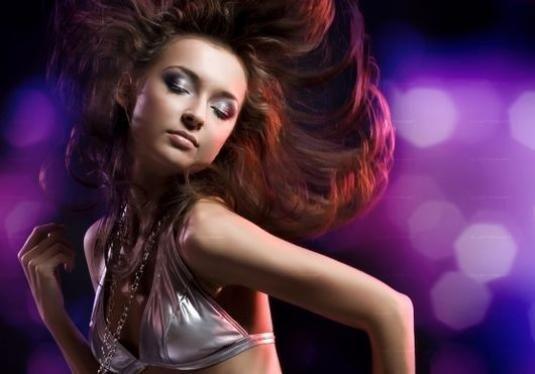 Как танцевать девушке на дискотеке?