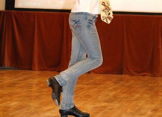 Как танцевать степ?