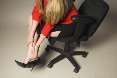 шишки на ногах як позбутися