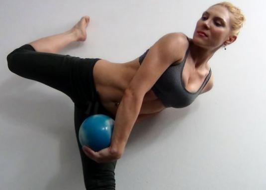 Як прибрати внутрішню частину стегна?
