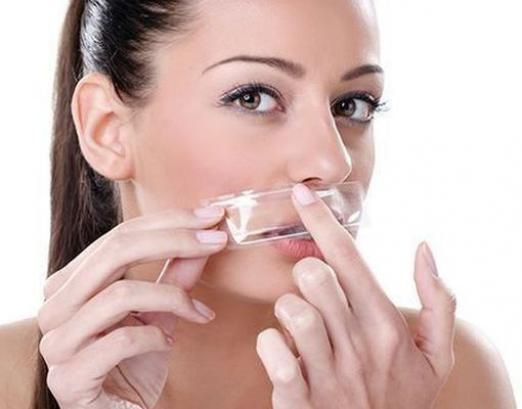 Как удалить волосы над губой?