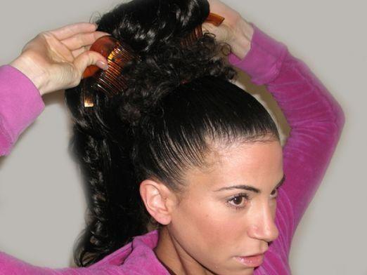 Как уложить волосы?