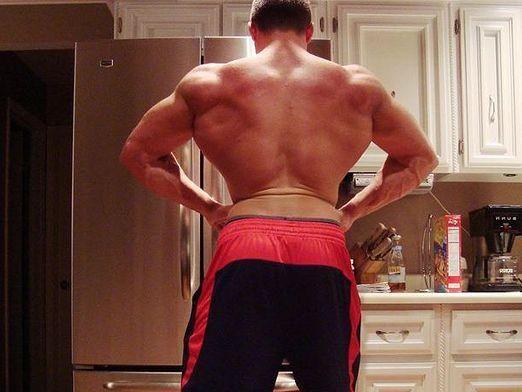 Как увеличить плечи?