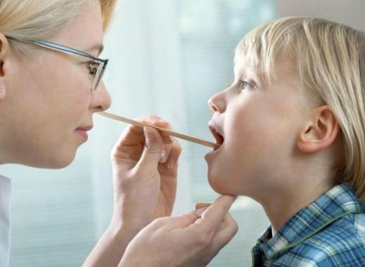 Як вилікувати ангіну у дитини?