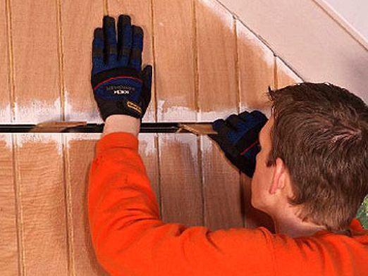 Как заделать щель между стенами?