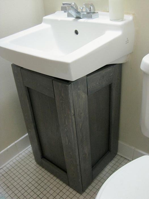 як заховати труби в туалеті