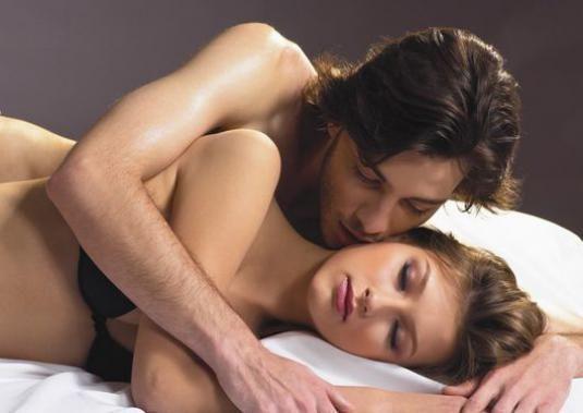 Как затащить девушку в постель?