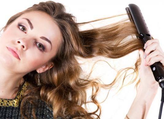 Как завить волосы утюжком?