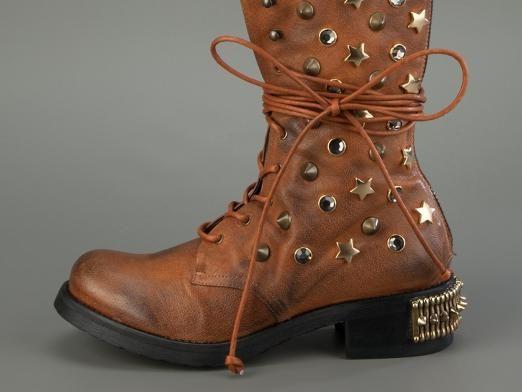 Как завязать ботинки?