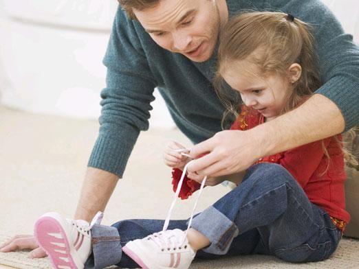 Как завязывать шнурки?