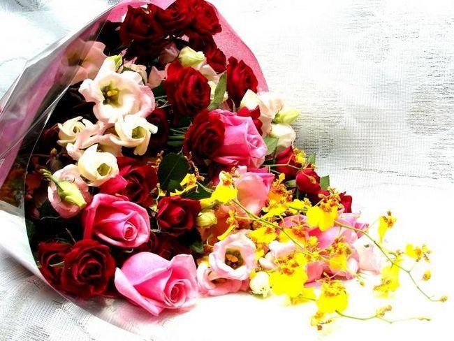 Какие цветы дарят мужчинам, женщинам и на свадьбу?